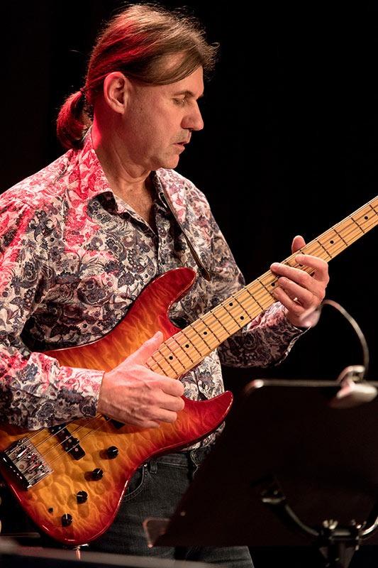 Rudi Schiessl mit Lemon Crash, die Jazz/ Fusion Band aus München